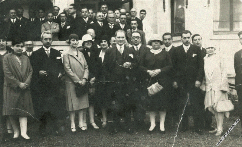 Mustafa Kemal Atatürk Gazi Orman Çiftliği'nin kuruluş yıldönümünde. (05.05.1929)