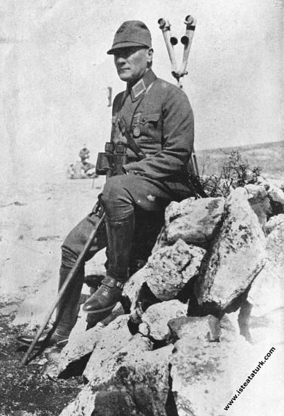 Ankara yakınlarında I. Ordu Manevraları'nda. (08-1...