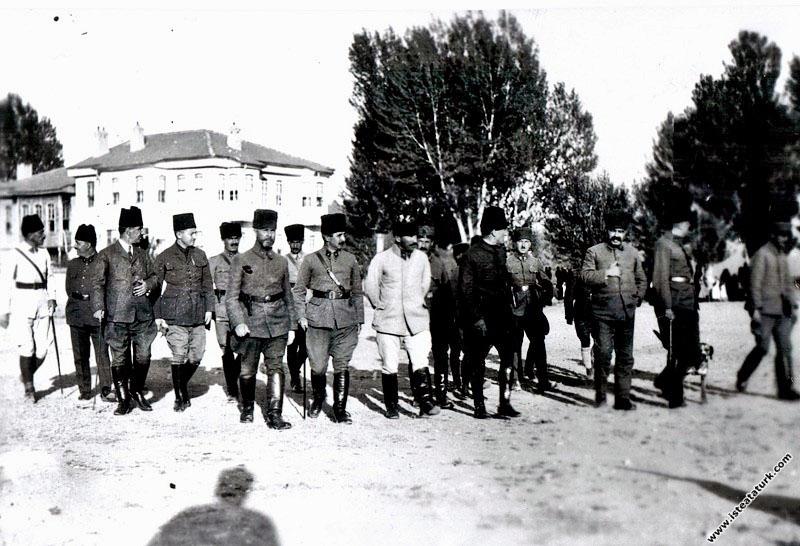 Başkomutan Mustafa Kemal'in, Akşehir karargaha gelişi. (23.07.1922)