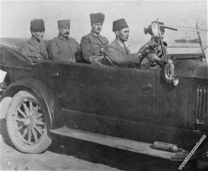 Başkomutan Mareşal Mustafa Kemal, İzmir'e geliyor. (10.09.1922)