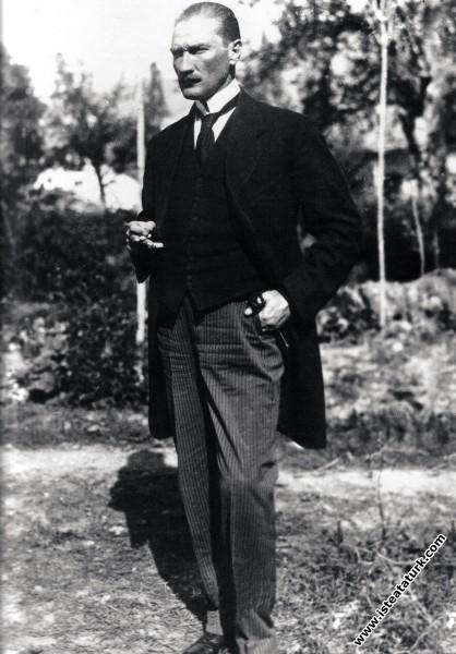 Mustafa Kemal Erzurum Kongresi günlerinde. (09.07....