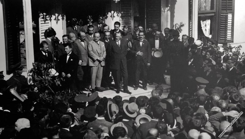 Mustafa Kemal Atatürk Bursa'da. (21.08.1929)...