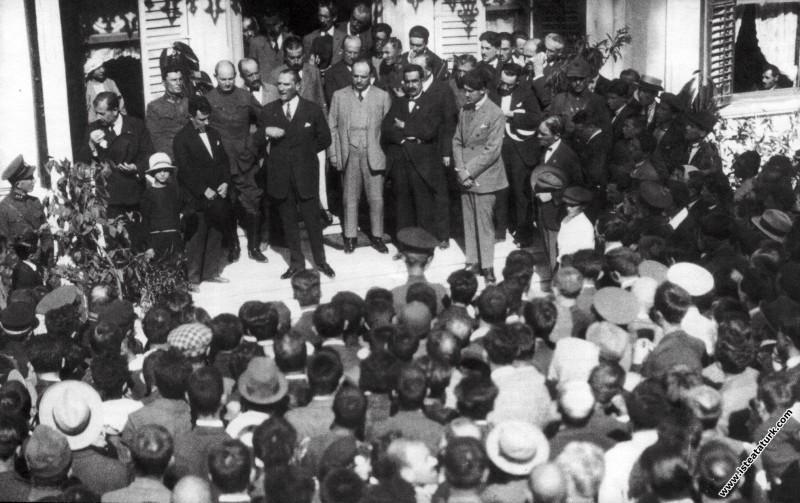 Mustafa Kemal Kemal Atatürk Bursa'da. (21.08.1929)