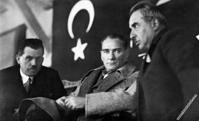 Mustafa Kemal Atatürk Ankara'da Sonbahar At Yarışlarında. (11.11.1927)