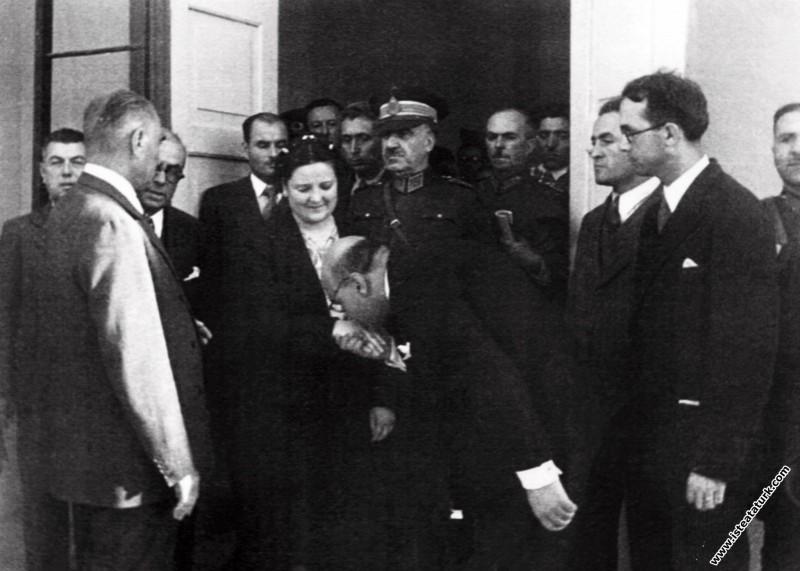 Atatürk, Celal Bayar ve Afet İnan,  Sümerbank Nazi...