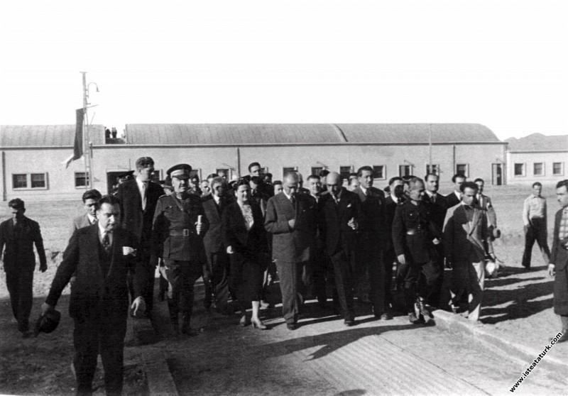 Mustafa Kemal Atatürk Sümerbank Nazilli Basma Fabr...