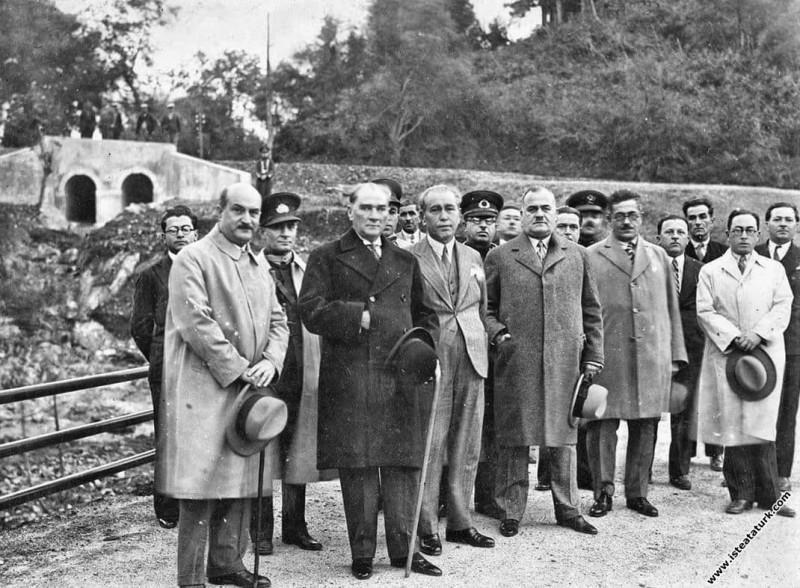 Mustafa Kemal Atatürk İstanbul Belgrad Ormanları'nda, Büyükdere. (12.02.1932)