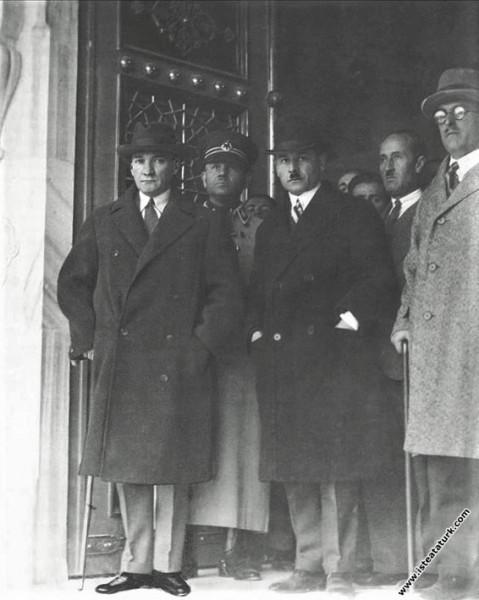 Mustafa Kemal Atatürk Ankara Türk Ocağı'nın yeni b...