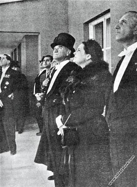 Mustafa Kemal Atatürk, Afet inan ve THK Başkanı Fu...