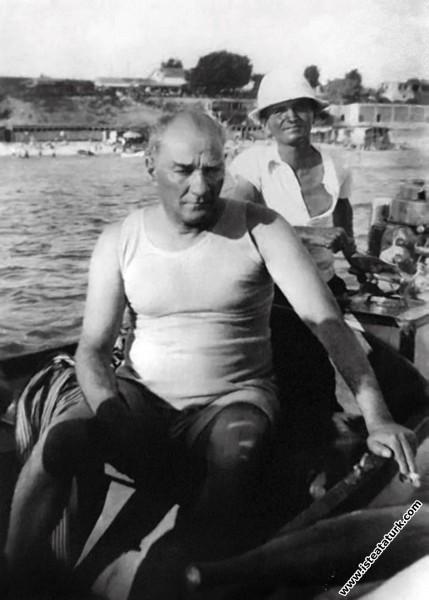 Mustafa Kemal Atatürk Florya'da, İstanbul. (07.08....