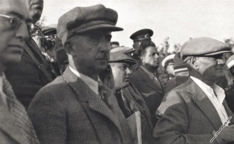 Mustafa Kemal Atatürk, Ege Manevraları'nda beraber...