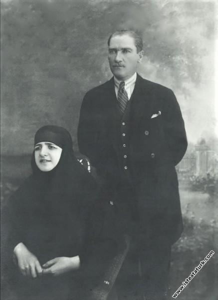 Cumhurbaşkanı Mustafa Kemal ve eşi Latife Hanım. (...