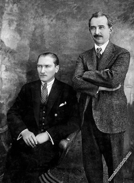 Cumhurbaşkanı Mustafa Kemal, Türkiye Cumhuriyeti'n...