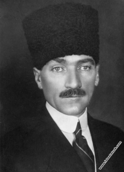TBMM Başkanı Gazi Mustafa Kemal. (1921)...