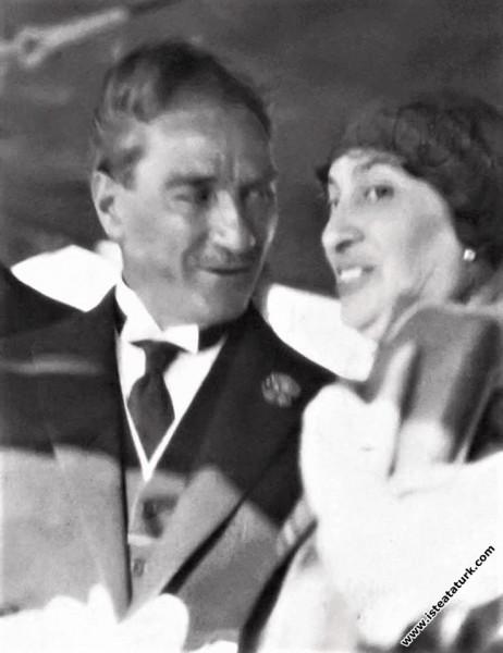 Gazi Mustafa Kemal  Bursa gezisinde, Reşit Paşa ge...