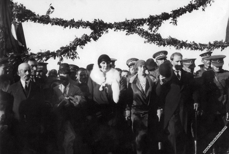Gazi Mustafa Kemal, İstanbul'dan gelen karşılama h...
