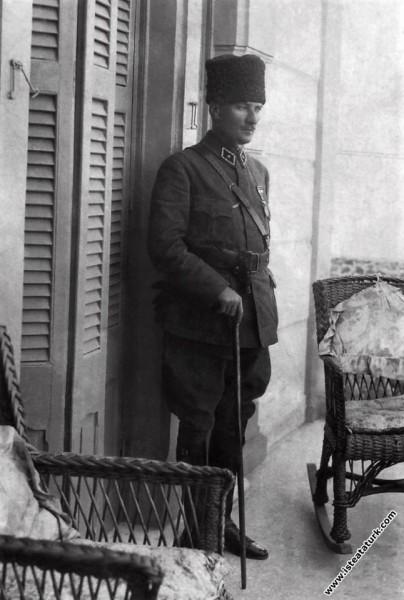 Gazi Mustafa Kemal İzmir'de İplikçizade Köşkü'nde. (10-14.09.1922)