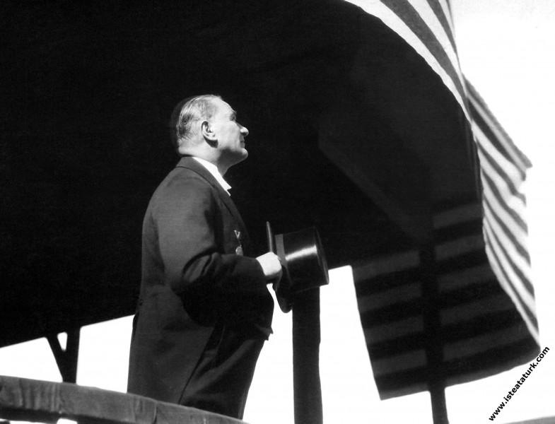Mustafa Kemal Atatürk, Cumhuriyet Bayramı'nda töre...