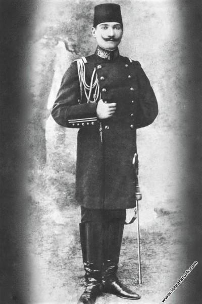 Harp Akademisi mezunu Kurmay Yüzbaşı Mustafa Kemal. (11.01.1905)