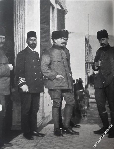 Mustafa Kemal'i, Balkan Savaşı günlerinde. (1913)...