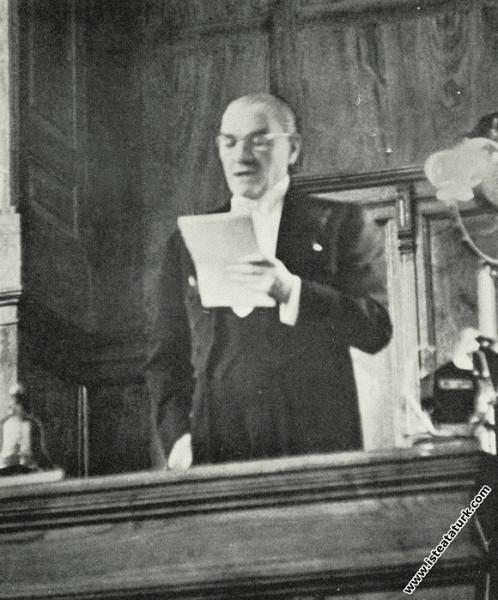 Mustafa Kemal Atatürk, son defa mecliste açış konuşmasını yaparken. (01.11.1937)