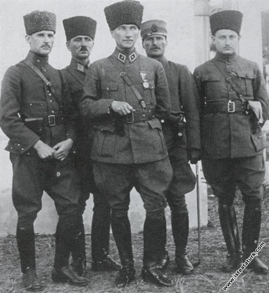 Mustafa Kemal, Adapazarı'nda. (16.06.1922)