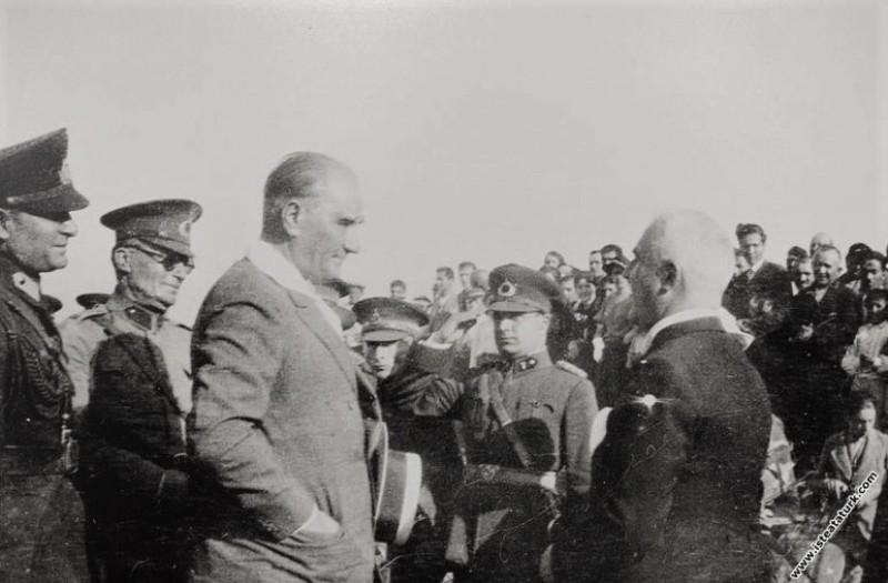 Mustafa Kemal Atatürk'ün Bolu'yu ziyareti sırasında karşılanışı.  (17.07.1934)