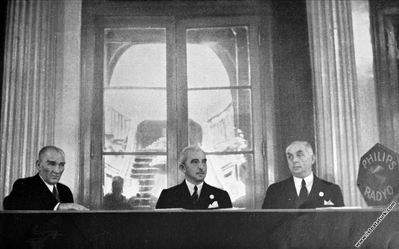 Atatürk II.Tarih Kongresi'nin ikinci günü toplantı...