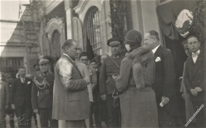 Mustafa Kemal Atatürk Antalya'ya hareketinden önce İzmir Alsancak Garı'nda. (05.03.1930)