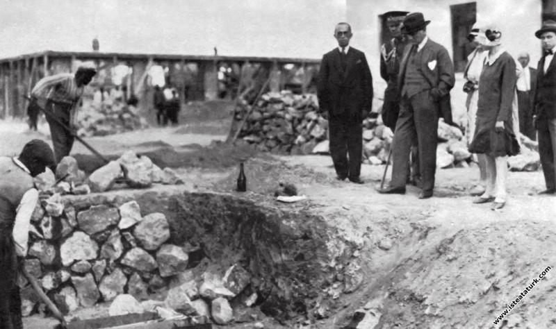 Ankara, Etimesgut Köyü İnşaa edilirken. (04.07.1929)
