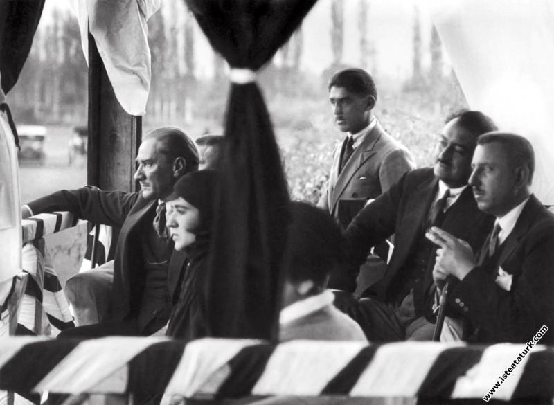 Mustafa Kemal Atatürk, Fuat Bulca ve Dr.Rasim Feri...