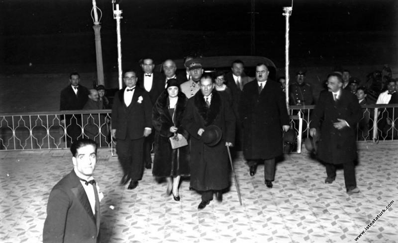 Mustafa Kemal Atatürk Manevi Kızı Afet İnan il...