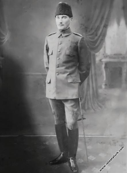 Kurmay Binbaşı Mustafa Kemal Balkan Savaşı günlerinde. (1912)